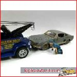 American Diorama 23905 - 1/24 Tow Truck Driver *Scott* (Car Not included).