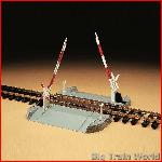 LGB 50650 - Railroad crossing - used, but in very good condition & complete
