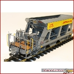 Magnus 4038 - Schotterwagens gray with yellow stripe