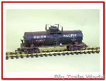 Magnus /  USA Trains 15107 - Blk 10000 Gallon Tank Car  UP  verouderd en gesuper